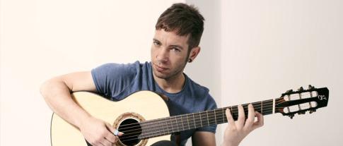 Pipo Romero es uno de las figuras emergentes de la guitarra acústica fingerstyle con raices hispánicas