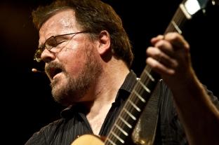El canadiense Don Ross es uno de los renovadores de la guitarra acústica